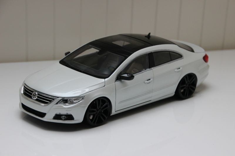 1 18 vw passat cc whitepearl 20 q7 felgen modelcarforum. Black Bedroom Furniture Sets. Home Design Ideas